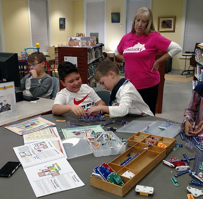 kids with snap circuits